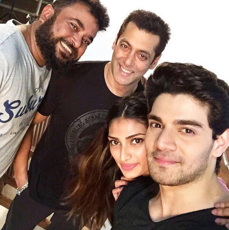 #SalmanKhan with the #Hero team