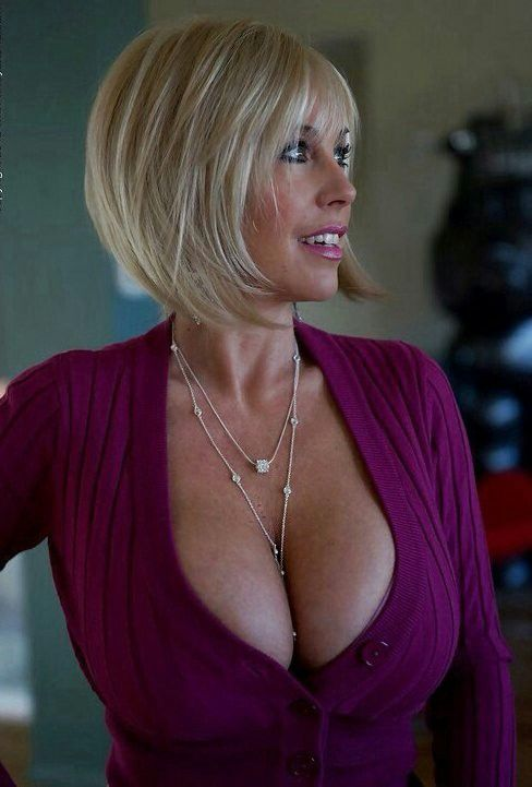 Sandra Boobies Nude Photos 40