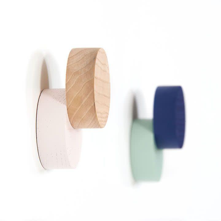 Wandhaken Besteht Aus Zwei Kreisen Garderobenhaken Wandhaken Garderobe Modern