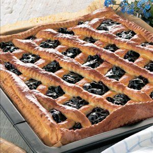 Finnish blueberry pie (mustikkapiirakka). Never even had this although according to my husband it's heavenly...
