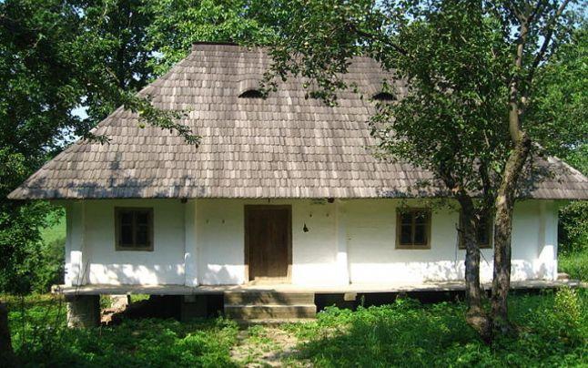 Casa memorială Eminovici din Călinești - Cuparnecu. FOTO Cezar Suceveanu    Citeste mai mult: adev.ro/nme1zr