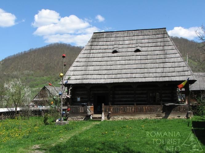 Muzeul Ţărăncii Române - Dragomiresti   Galerie Foto   Romania Tourist Info