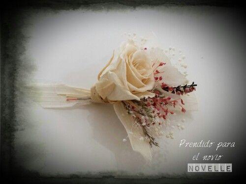 Prendido rosa preservada  NOVELLE novias#boda #getxo #novellenovias #novias #florpreservada #comunion#arras