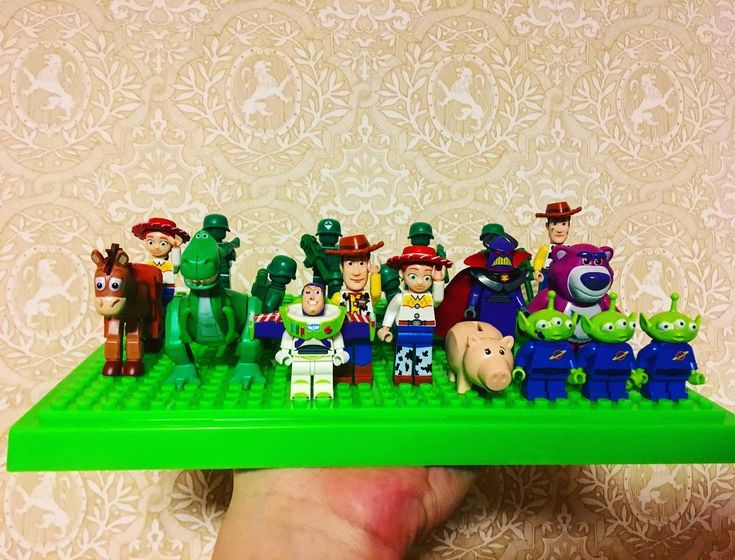 Toy story movies remind me of my childhood. I was always happy with small toys though I was alone.  #lego #minifigure #minifigures #toystory #toy #animation #레고 #레고미니피규어 #레고토이스토리 #legotoystory #woodie #buzz #buzzlightyear #collection #hobby