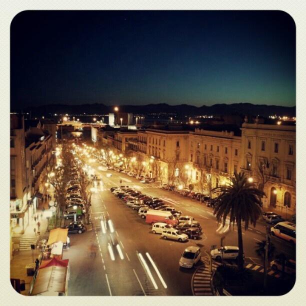 Al calar della sera...di #Cagliari     #igersardegna www.sardegna.com