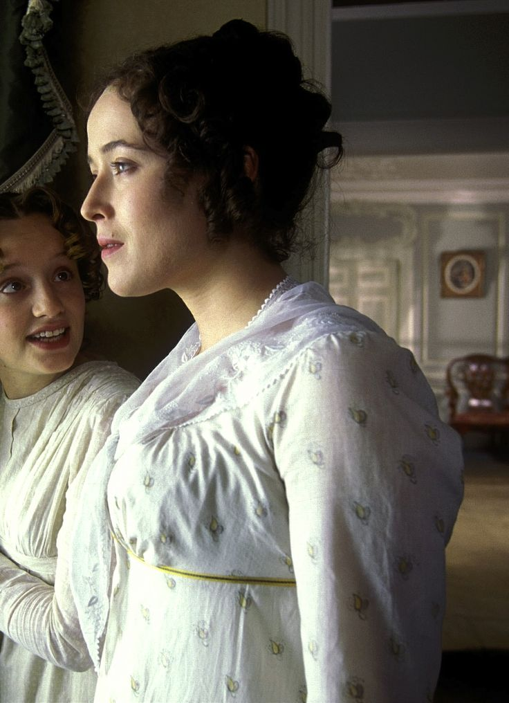elizabeth bennet pride and prejudice Elizabeth bennet is the heroine of the story she's headstrong, witty, intelligent, and independent a woman ahead of her time she's the pride of pride and prejudice.