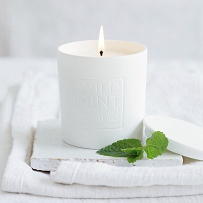 The White Company US. Wild Mint Candle | Wild Mint is a bright, cool and refreshing scent with notes of peppermint and spearmint plus a touch of white tea. Pinning from the UK Site? -> http://www.thewhitecompany.com/candles-and-fragrance/our-fragrances/wild-mint/