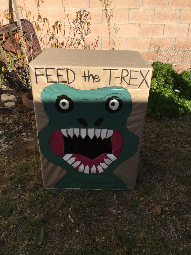 Dinosaur birthday game. Feed the T-Rex.