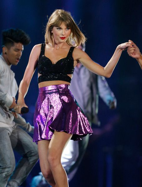 Taylor Swift performs at Levi's Stadium in Santa Clara, Calif., on Friday, Aug. 14, 2015. (Jim Gensheimer/Bay Area News Group)