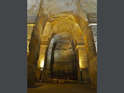 17 best images about 33 st emilion eglise souterraine on pinterest sculpture church and voyage. Black Bedroom Furniture Sets. Home Design Ideas