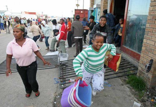 looting of xenophobia south africa victim shops - Google Search