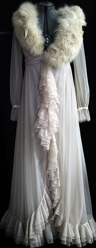 Circa 1920s dressing gown - Vintage Glamour! *** What to wear to your bridal boudoir shoot: Dressing gowns and robes are fabulous, with or without fur trim. ;) Sheer or lace is ideal, and above all look for fabrics that drape well.