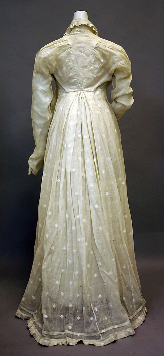 White cotton morning dress, 1810–20, American (back view) - in the Metropolitan Museum of Art costume collections. (Note the very narrow back.)