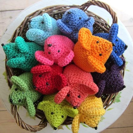 A 'Harvest' of #Rainbow #crochet Mice of your very own? You'll find them here on #Etsy http://www.etsy.com/listing/102838000/crochet-rainbow-mouse-kit £16.50
