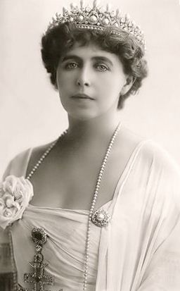 Queen Marie of Roumania Born into the British royal family, she was titled Princess Marie of Edinburgh at birth. Her parents were Prince Alfred, Duke of Edinburgh and Grand Duchess Maria Alexandrovna of Russia.