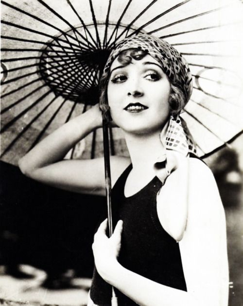 Madge Bellamy in Summer Bachelors (1926)