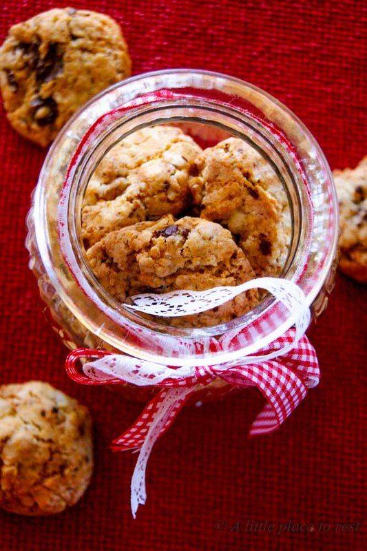 biscotti zenzero cioccolato e noci - nuts, chocolate and ginger cookies