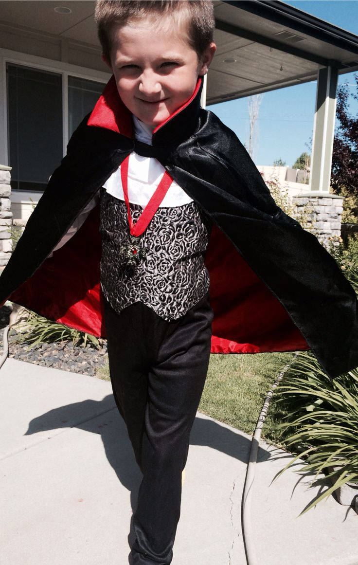 Vampire Halloween Costume for boy Boy costumes, Boy