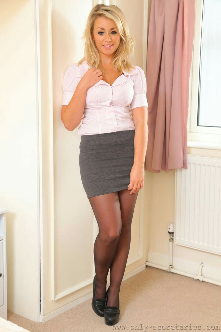 4345 best images about Feisty Women In Pantyhose on ...