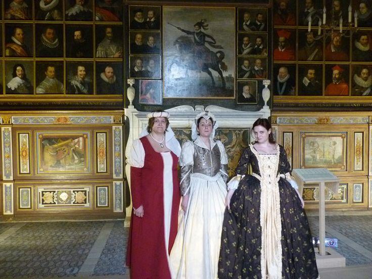 Seigneurs et grandes dames en visite au Parc et Château de Beauregard. Le dimanche 27 octobre 2013 à CELLETTES.
