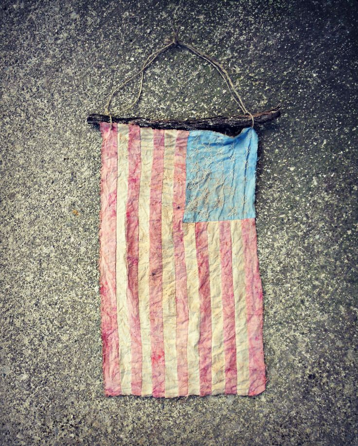 rustic decor, american flag, americana decor, home decor, country decor, primitive flag, the best gift, gifting idea, OOAK, trending, unique - pinned by pin4etsy.com