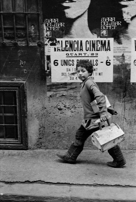 Limpiabotas.                                       Valencia (España) 1973.
