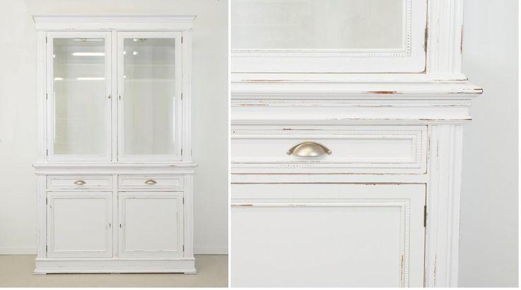 ¡Dale un cambio radical a tu comedor! Transforma los muebles por completo con un acabado en blanco decapé.