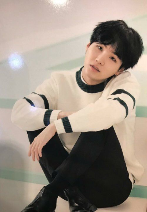 Yoongi is so gorgeous especially with black hair