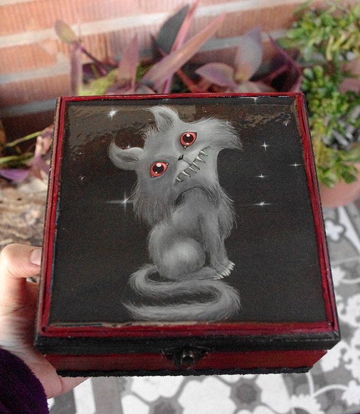 Caja de madera Gato siniestro. Decorada y pintada a mano. Caja gotica con ilustración. de Villaoscura en Etsy