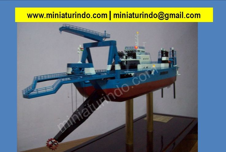 Ship Model Building, Ship Model Makers, Vintage Model Boats, Model Ship Building, Build Model Ships, Model Boat Kits, Model Boats, Scale Model Sailboats, Model Ships To Build, Historic Ship Models