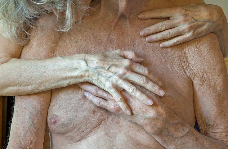 Fotógrafa quer romper com tabu de nudez dos mais velhos