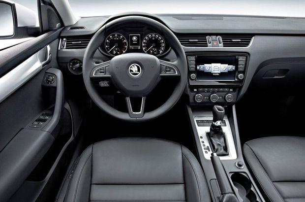 Škoda Octavia Combi 2014  http://www.skoda-versailles.com/vehicules-neufs-skoda/skoda-octavia-combi