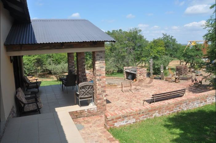 Thorntree Lodge 3km from Potchefstroom in the North-West Province. Bush Lodge offering semi-self-catering accommodation. Peaceful location. See more: http://www.where2stay-southafrica.com/Accommodation/Potchefstroom/Thorntree_Lodge #potchefstroom #selfcatering
