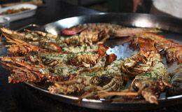 Receita de lagosta grelhada com camarão e molho de mostarda com alcaparra feita por Olivier Anquier.