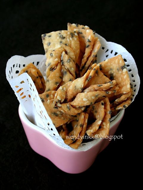 Table for 2.... or more: Sesame Beancurd Crisps 芝麻巧果 - CNY Crispies # 3
