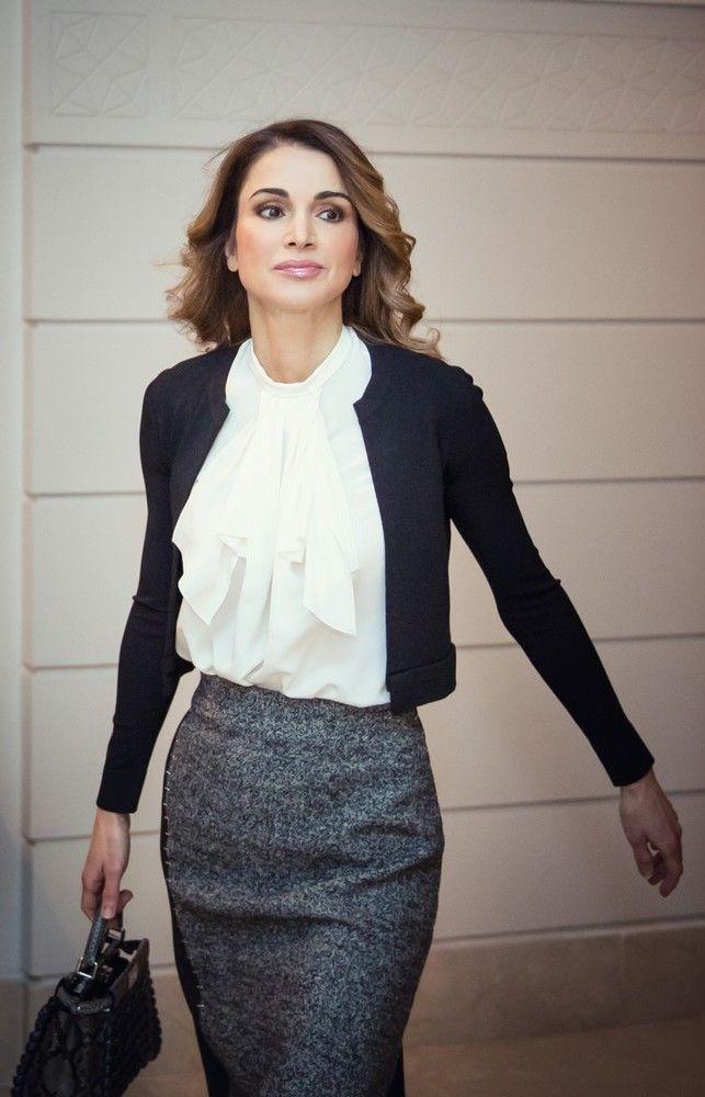 Queen Rania Fashion Best 25+ Queen ...