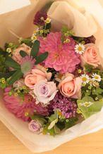 季節の花束*bouquet rond 「avec dahlia」