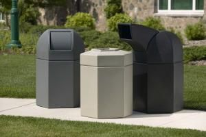 Outdoor Plastic Trash Cans