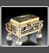 Under-the-Sea Themed 14k Gold Box,  Set on Pearls with Oahu Jasper Lid