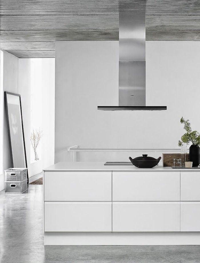This is one of the prettiest online catalogues we have seen lately. The brandDesigna has got the most beautiful kitchens. The home has a special blend of natural elements, with a mix of light and dark furniture. You can see that it creates a certain elegance and timelessness. The special