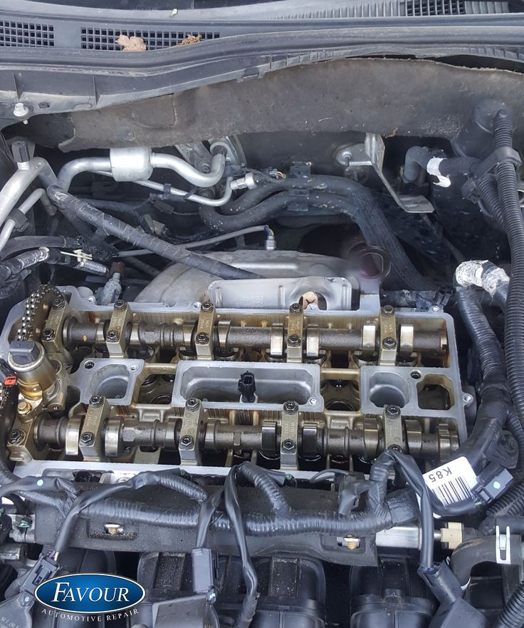 2010 Ford Fusion. Replacing the Valve Cover Gasket Valve