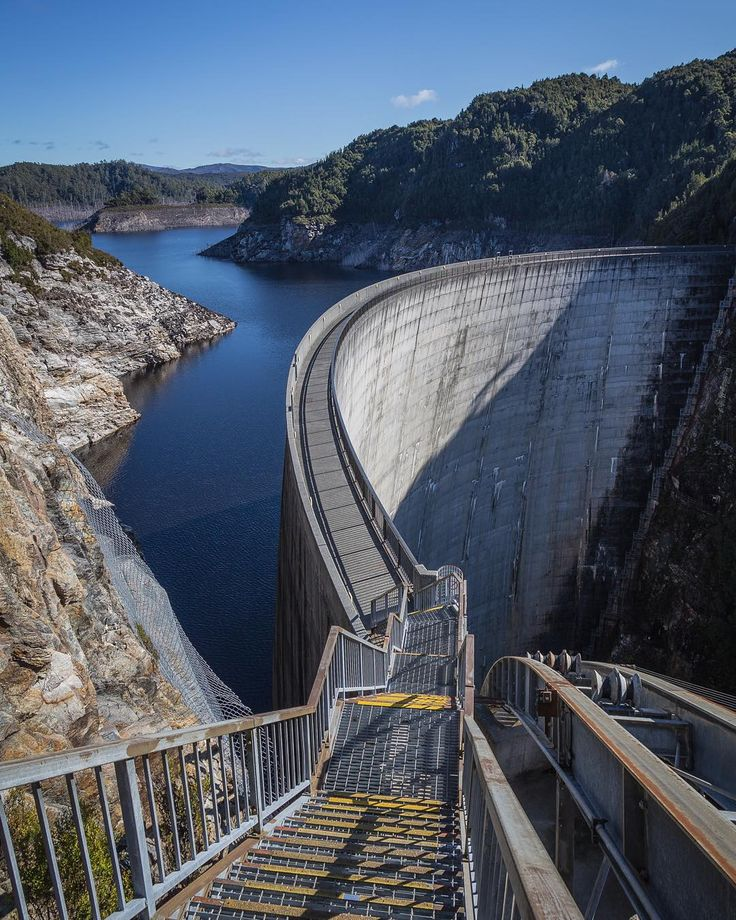 The Gordon River Dam some people even abseil from this architectural behemoth. And recently it was used to shoot a world guinness book of records attempt! Do you know what that was about? Hint in the tags! #gordon #river #dam #lake #pedder #tasmania #australia #south #west #architecture #stairs #goingdown #yellow #basketball #hobartandbeyond #amazing_australia #abcnews_au #twitter #natgeographic #discovertasmania #deep #igtasmania #instatassie #instadaily #nofilter #outdoor #pro_ig…