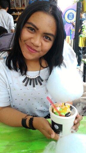 Kabut Salju Ice Cream & Dessert di Bandung, Jawa Barat