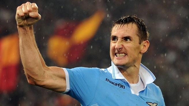 Miroslav Klose (S.S. Lazio team)  Miroslav Klose celebrates after scoring the 2-1 goal during the Serie A match against AS Roma. Che giocatore!!! Un vero signore dentro e fuori il campo!!!