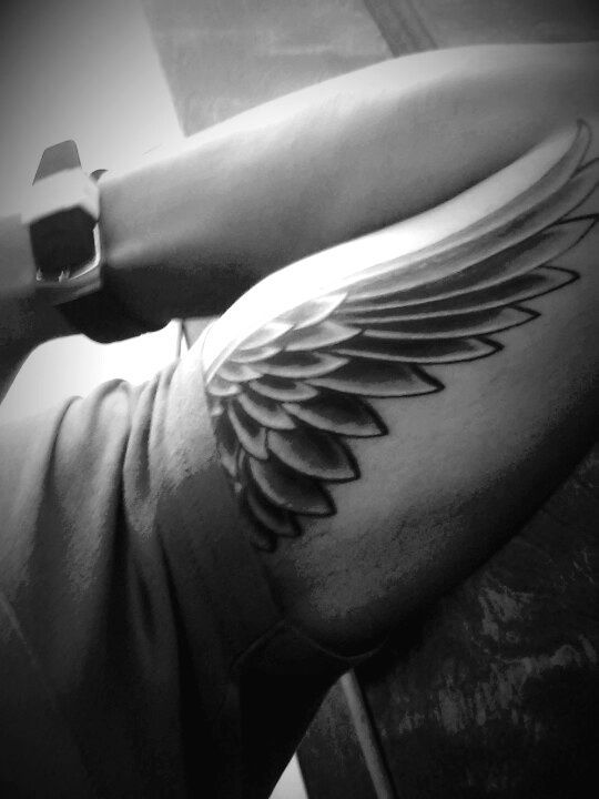 angel-wing-tattoos-28