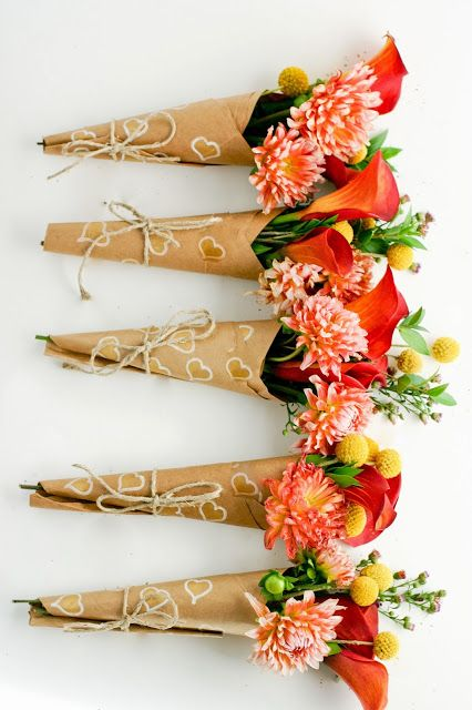 flax & twine:....♥♥  Spread Some Surprise Love - How to Wrap A Mini-Bouquet of Thanks DIY