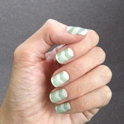 Step-by-step tutorial shows you how to paint your own Chevron Manicure Nail Art