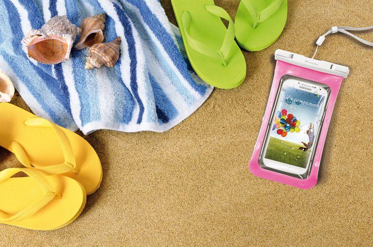 I granelli di sabbia hanno vita breve con VOYAGER! D'estate porta il tuo #smartphone sempre con te!  #waterproof #dustproof