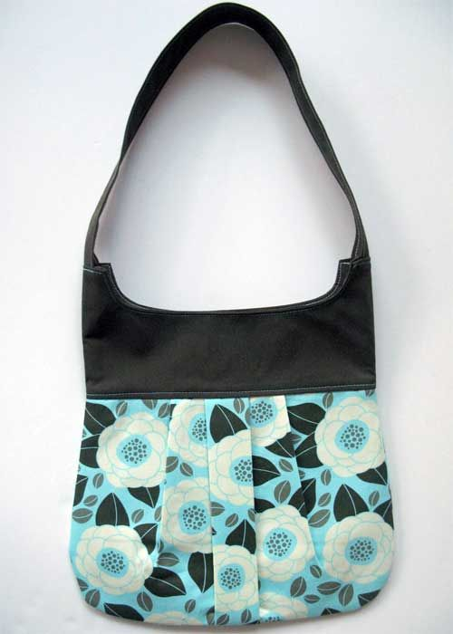 Free Purse Pattern and Tutorial - Pleated Purse