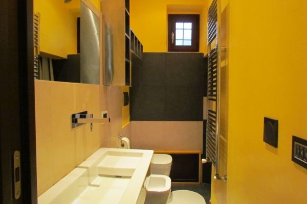 Florence, Italy Vacation Rental, 2 bed, 2 bath, kitchen with WIFI in Santa Croce. Thousands of photos and unbiased customer reviews, Enjoy a great Florence apartment rental perfect for your next holiday. Book online!